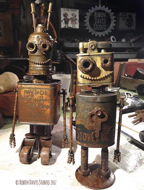 Vintage style robots by RobinDavisStudio